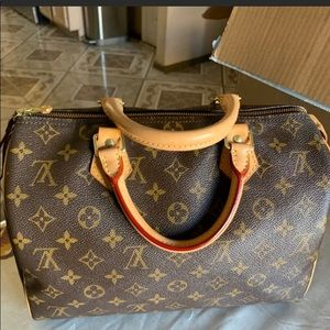 Stunning Auth Louis Vuitton monogram speedy 30